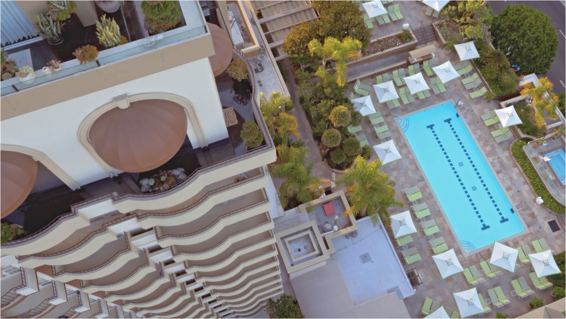 Four Seasons Beverly Hills Pool