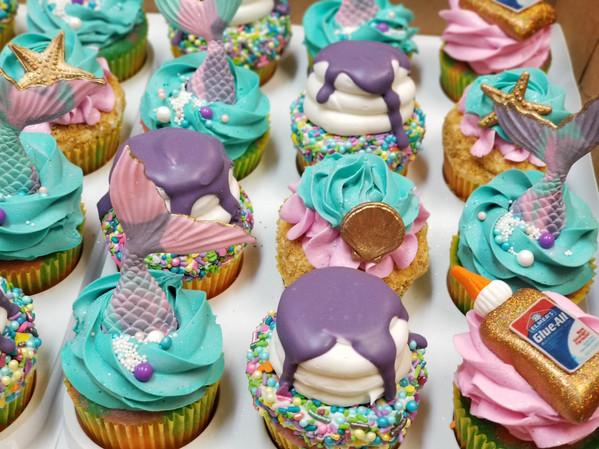 Custom Cupcakes Mermaid Party