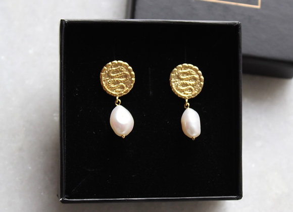 Egypt pearl earrings