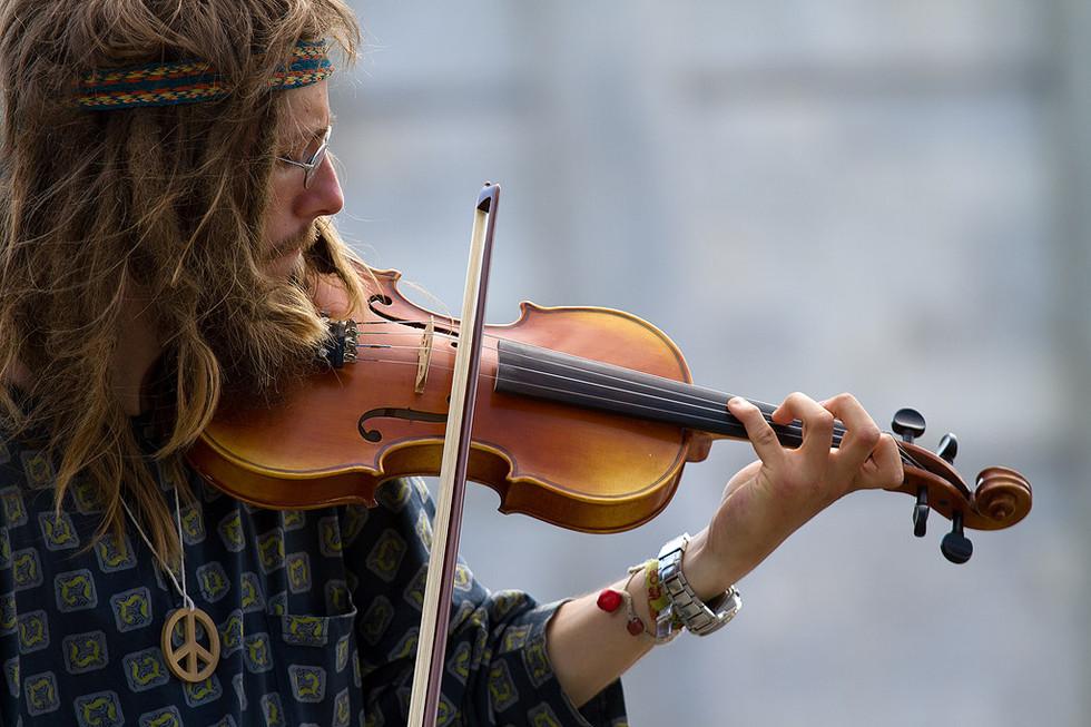 Pisa - Violinista Hippie