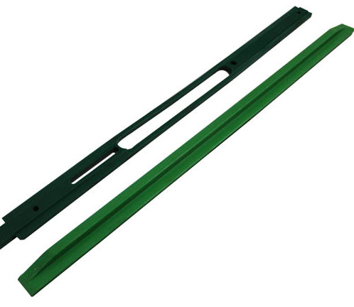 Engineering_plastic_wearstrip_1-9bf31.jp