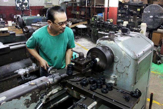 Engineering_plastic_fabrication_5-c9f0f.