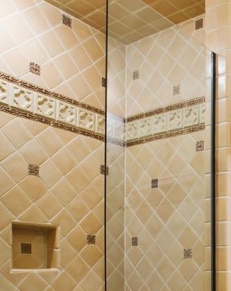DE_Guest_Bathroom1_4008.jpg