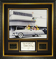 M34839_Walt_Disney_Signed_Display_32x34.