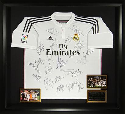 M34847_Real_Madrid_2014_2015_Squad_Signe