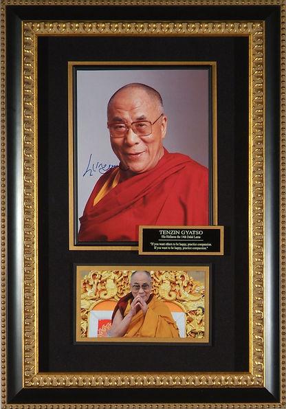 M22283_Dalai_Lama_signed_portrait_27x19.