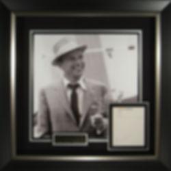 M34874_Frank_Sinatra_Autographed_Display