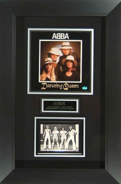 m42084_abba_band_signed_display_19x28.jp