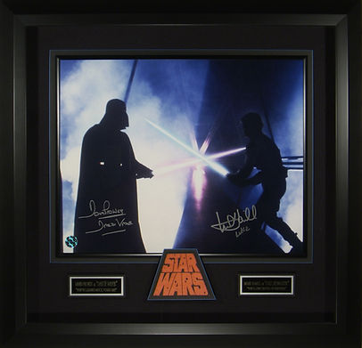 M40745_SW9241-S_Star_Wars_Autographed_Di