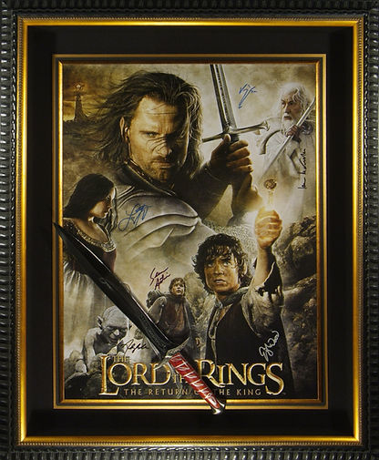M34867_Lord_Of_The_Rings_Cast_Signed_dis