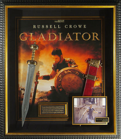 M33575_Gladiator_Signed_Russell_ Crowe_D