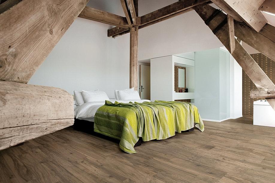 Wonderful Fliesen Holzoptik Schlafzimmer #13: Holz Im Schlafzimmer