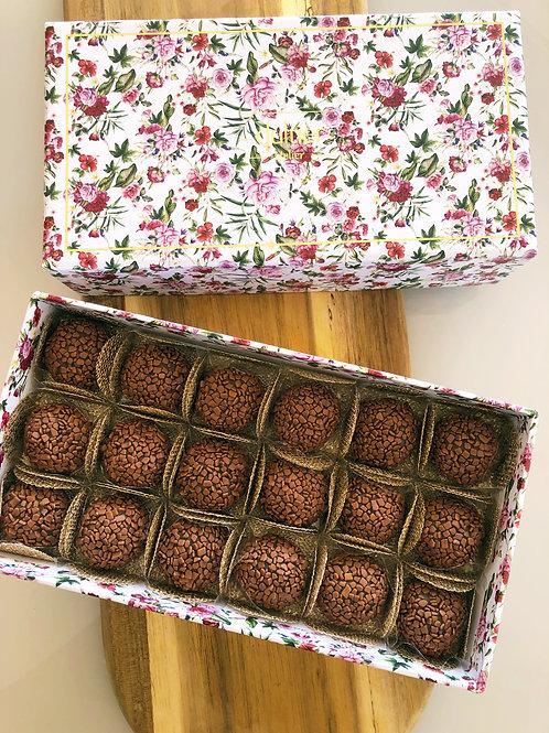 Caixa Flores - 18 Brigadeiros