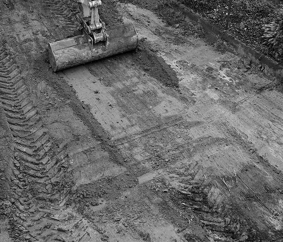 Nivellement-terrain-72dpi-bnw.jpg