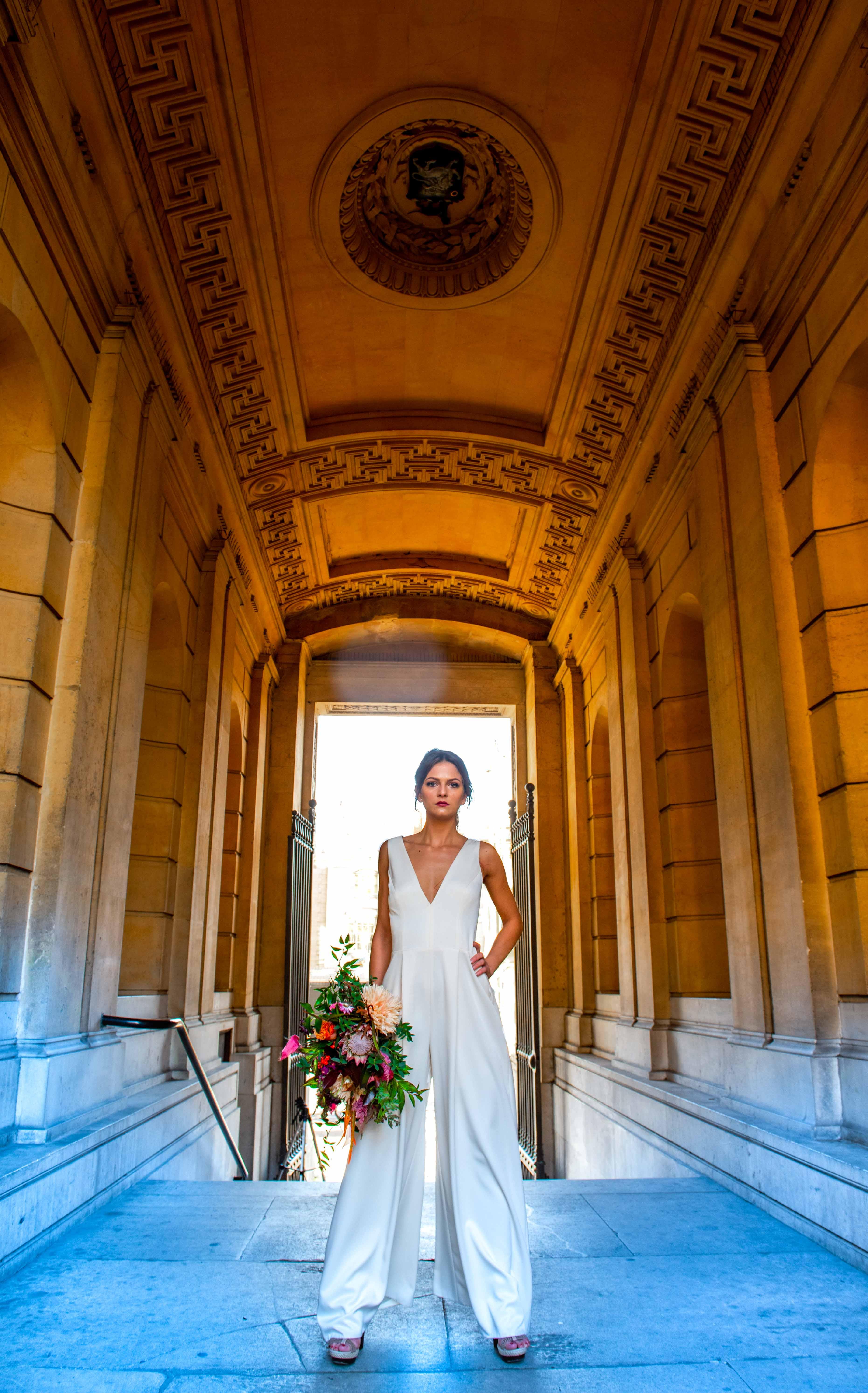 A gorgeous bride posing at The Ashmolean Museum