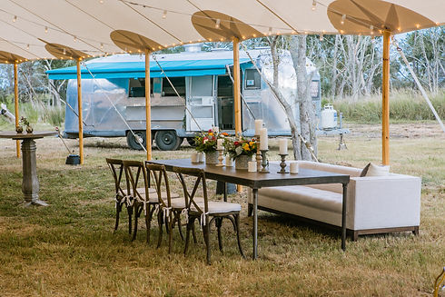 corporate-event-on-the-marsh-with-food-t