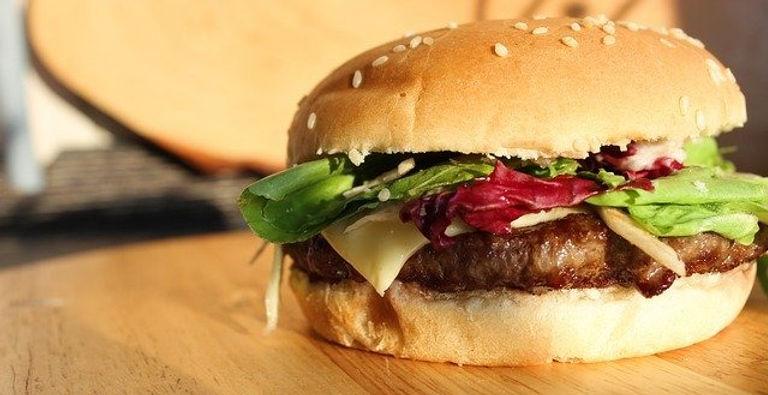 burger-2302003_640_edited.jpg