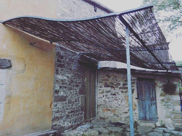 Pèrgola de vímet,#ferrocalent ,#pergoladestiu,#esquivantlacalor,#disseny