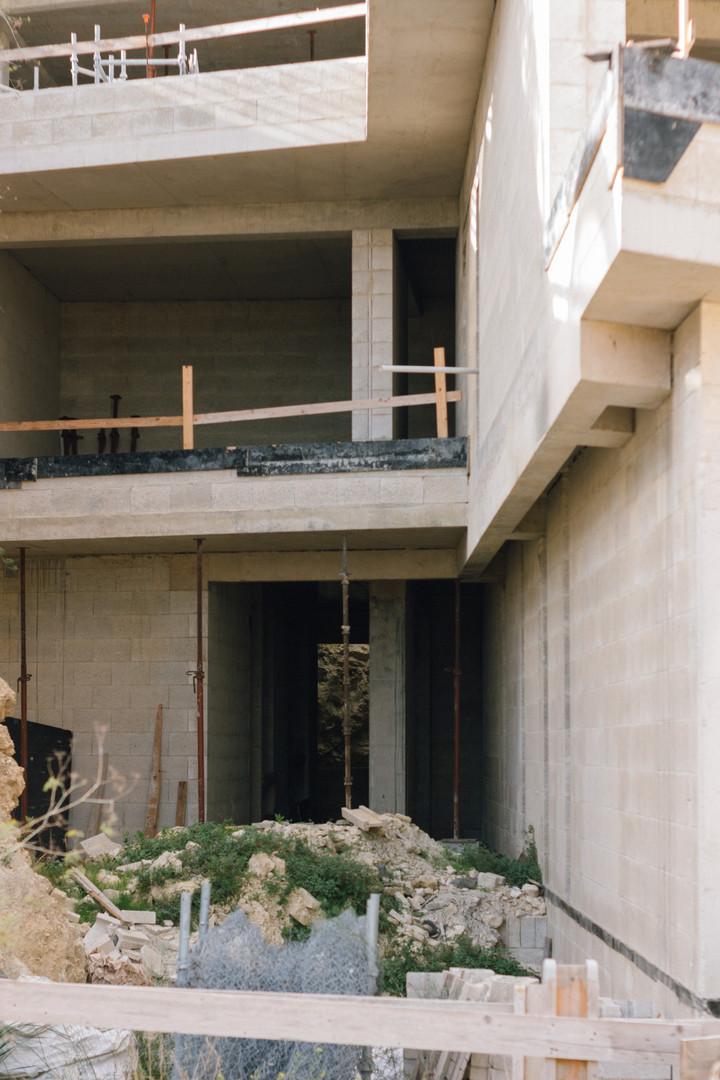 J House, Villa in Madliena