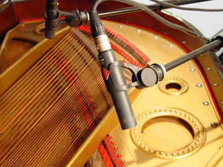 184_piano.jpg