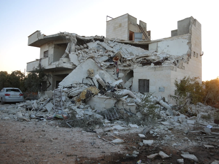Civilians killed in Syrian government attacks