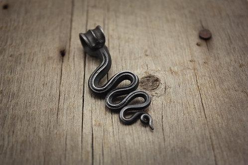 Serpentine pendant 1