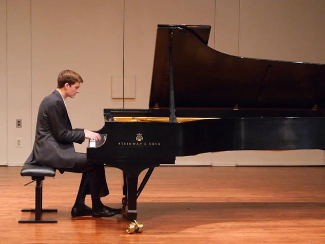 Rachmaninoff: Etude-tableau op. 39 no. 9 in D major