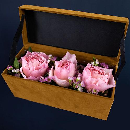 Cutie catifea cu trandafiri - Princesse Charlene
