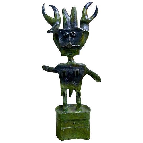 Niño Insecto Escultura en Bronce de Sergio Hernandez