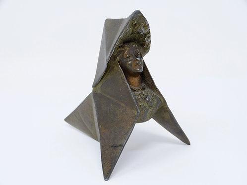 Escultura Antigua Hecha de Bronce Estilo Art Nouveau