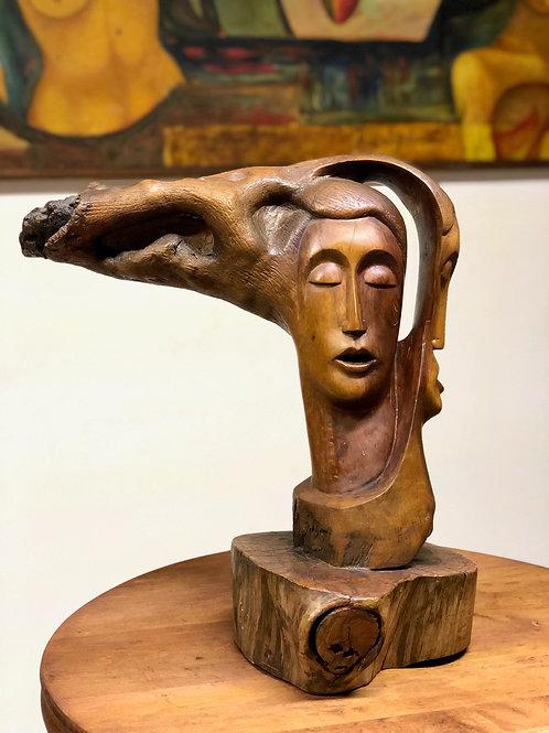 Escultura Surrealista Labrada en Madera Ca. 1970