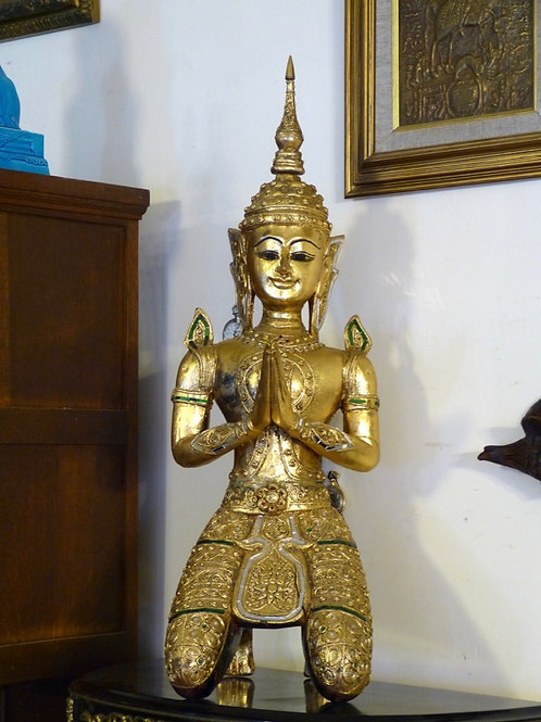 Angel Guardián Teppanom Labrado en Madera Tailandés
