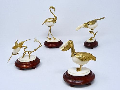 Juego de Aves Labradas en Marfil con Chapa de Oro 18K