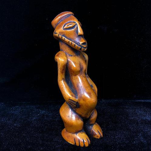 Escultura Africana Labrada en Marfil
