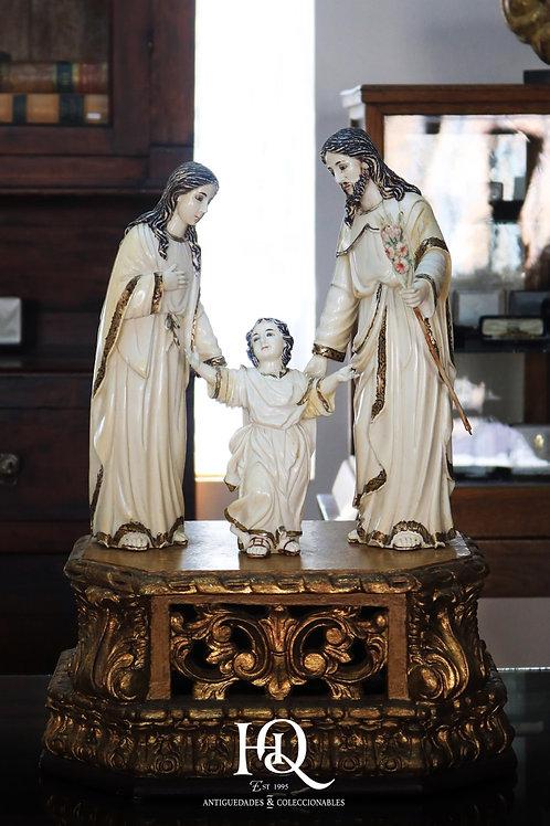 Sagrada Familia Labrada en Marfil Origen Filipino