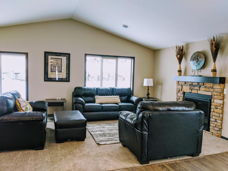 Living Room - Lots of light