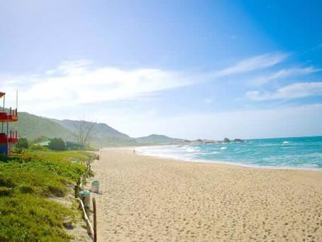 De belas praias à incríveis dunas de areia: conheça o leste de Florianópolis