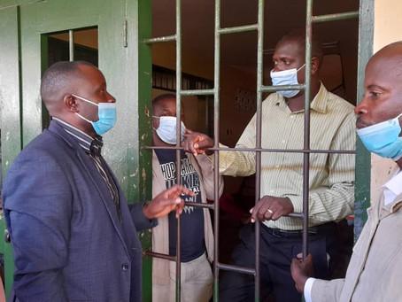 Ugandan authorities detain 2 journalists on criminal libel charges