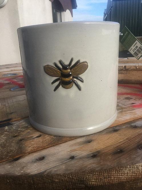 23x21.5cm wisteria pot off white