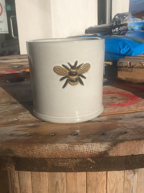 18x17cm wisteria pot off white
