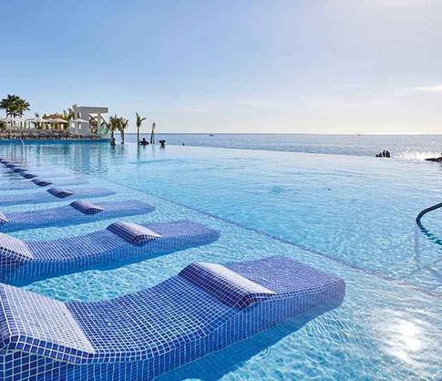 piscina-hotel-riu-palace-baja-california
