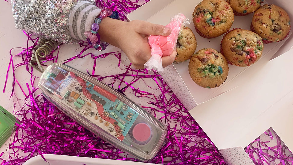 Cupcake Decorating Kit (6 Cupcakes)