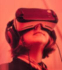 VR samuel-zeller-158996-unsplash.jpg