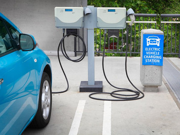 4 Reasons to Build an Electric Vehicle Charging Station For Your Business