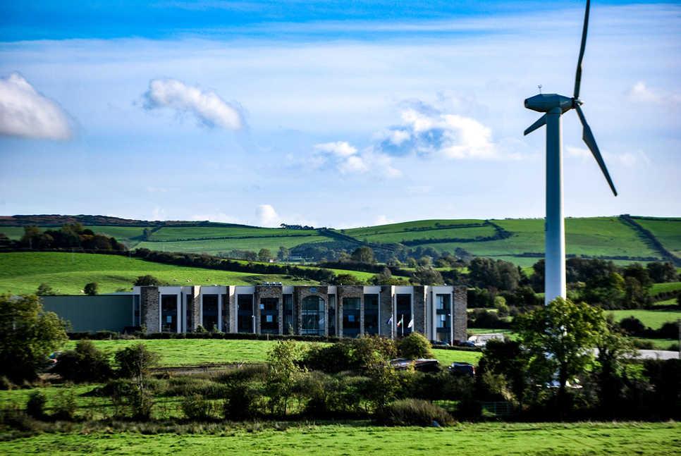 Meade Farm wind turbine.jpg