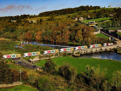 Slane Bridge Lorriesnew.jpg