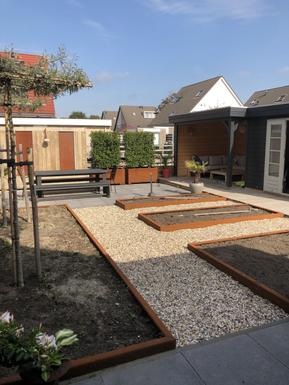 moderne achtertuin 2 onder 1 kap woning