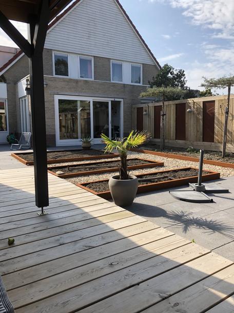 moderne achtertuin 2 onder 1 kap