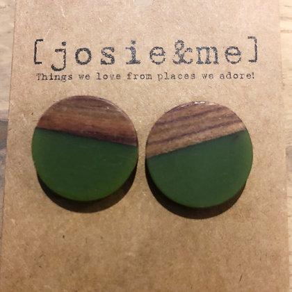 Wood/green studs