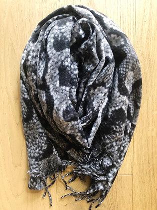 Winter snake scarf